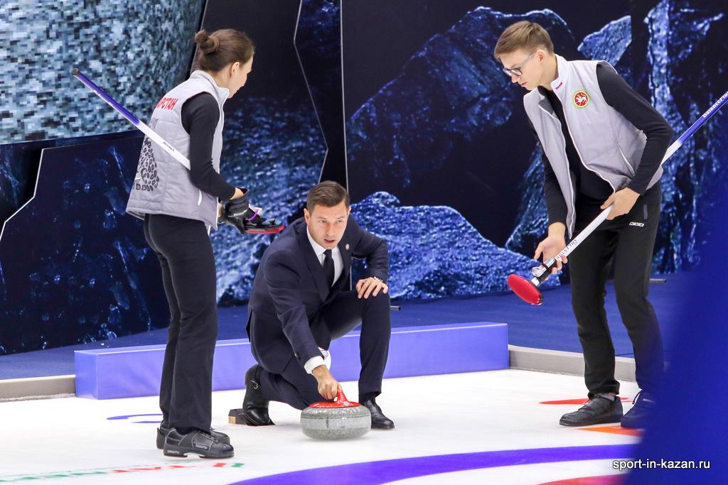 Церемония открытия Чемпионат Мира по керлингу среди смешанных команд в Казани